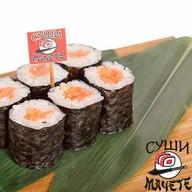 Ролл с лососем и соусом спайс Фото