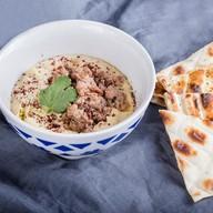 Хумус с мясным фаршем Фото