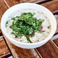 Холодный суп мацони с фрикадельками Фото