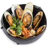 Мидии в сливочном соусе с овощами Фото