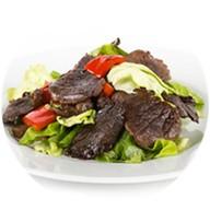 Теплый салат с говядиной и баклажанами Фото