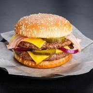 Двойной бургер Фото