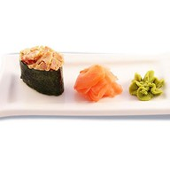 Спайси бекон суши Фото