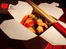 Лапша с курицей и овощами - Фото