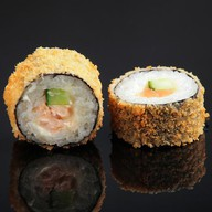 Темпура ролл с лососем Фото