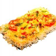 Суши пицца с креветками Фото