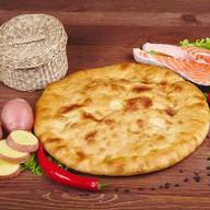 Осетинский пирог с сёмгой и картошкой Фото