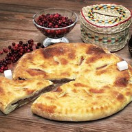 Осетинский пирог с брусникой Фото