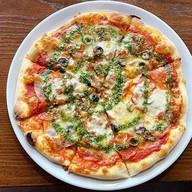 Пицца с копченостями Фото