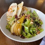 Салат с грушей Фото