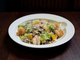 Салат цитрусовый с креветками - Фото