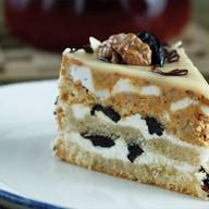 Торт с черносливом и грецким орехом Фото