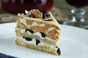 Торт с черносливом и грецким орехом - Фото
