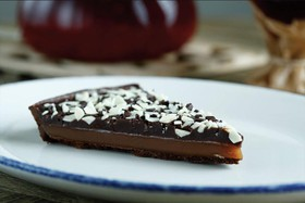 Торт шоколадно-карамельный - Фото