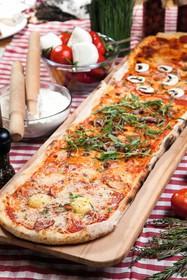 Метровая пицца - Фото