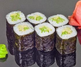 Ролл с авокадо - Фото