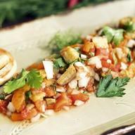 Гриль-салат из овощей с тостами Фото