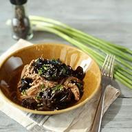 Салат из языка с древесными грибами Фото