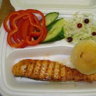 Стейк из Семги + свежие овощи Фото