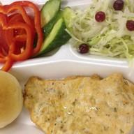Стейк из курицы + свежие овощи Фото