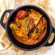 Равиоли с моцареллой в соусе с грибами Фото