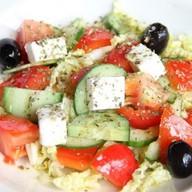 Салат овощной с сыром ланч Фото