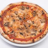 Пицца с курицей Барбекю ланч Фото