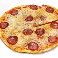 Пицца пепперони лай Фото