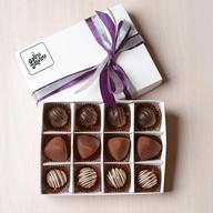 Конфеты шоколадные ассорти Фото