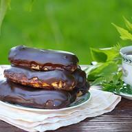Пирожное Эклер шоколадный Фото