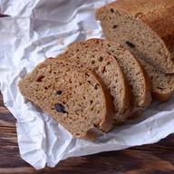 Хлеб ржаной с черносливом Фото