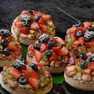 Пирожное Ягодный десерт Фото