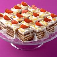 Пирожное Малиново-клубничное Фото