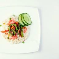 Рис с овощами под кунжутным соусом Фото