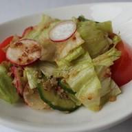 Салат овощной с киноа ланч Фото