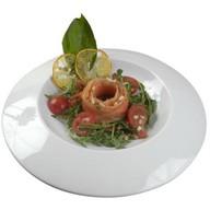 Салат с лососем и вялеными томата Фото