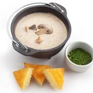 Крем-суп из шампиньонов с крутонами Фото