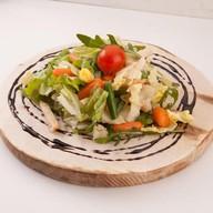 Легкий салат с мясом индейки Фото