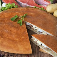 Пирог с горбушей и картофельным пюре Фото