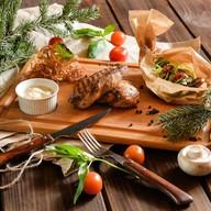 Куриная грудка-гриль с овощным салатом Фото