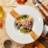 Греческий с оливковым маслом Фото