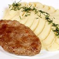 Котлета домашняя с картофельным пюре Фото