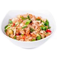Жареный рис (тяхан) с лососем Фото