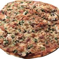 Европейская пицца Фото
