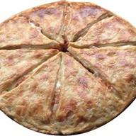 Хачапури с куриной грудкой и с сыром Фото
