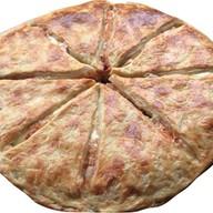 Хачапури с куриными колбасками и с сыром Фото