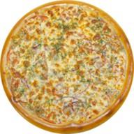 Пицца ветчина с сыром Фото