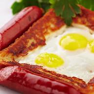 Гренка с перепелиным яйцом Фото
