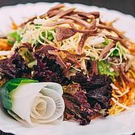 Салат с картофелем пай и языком Фото