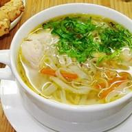Куриный суп с дом лапшой Фото